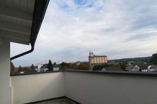 Maisonette 3ZI+Dachterrasse18m² saniert mit Carport!