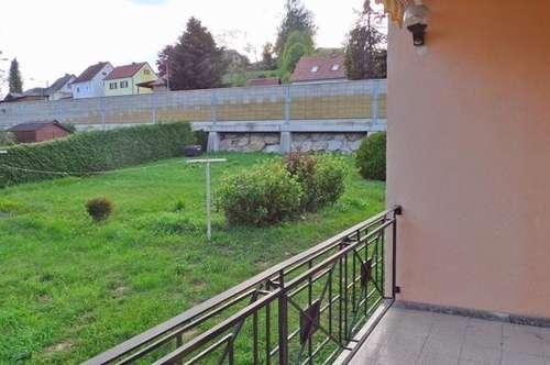 GARTENWOHNUNG sonnige,neu sanierte 3ZI mit Balkon, 2Parkplätze