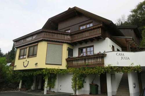 Große Wohnung in Zweifamilienhaus in Kötschach`s Ruhelage mit Garten