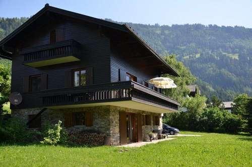 Idyllisches Landhaus mit großem Grundstück über den Dächern von Lienz!