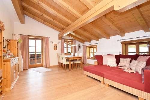 Behagliche Dachgeschosswohnung in einem urigen Bauernhof in Oberndorf
