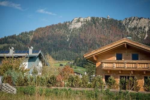 Sonniges Grundstück mit Blick auf das Jakobskreuz in Fieberbrunn