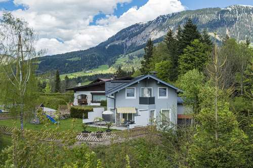Großzügiges Landhaus in idyllischer Sonnenlage von Fieberbrunn