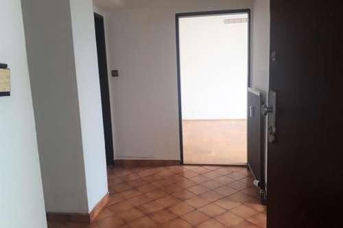 Sonnige Wohnung mit offener Loggia