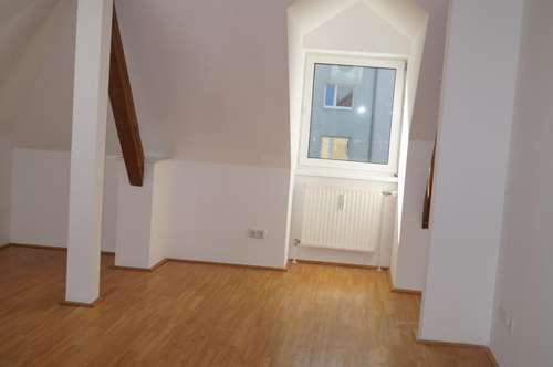 Schöne helle 3 Zimmerwohnung