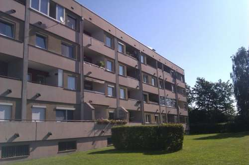 Zweistöckige helle Wohnung in Luftenberg!
