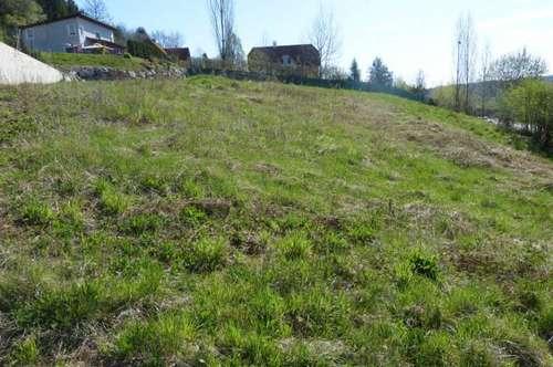 Baugrundstück samt Projekt mit 4 Eigentumswohnungen nahe dem Ortskern von Wilfersdorf
