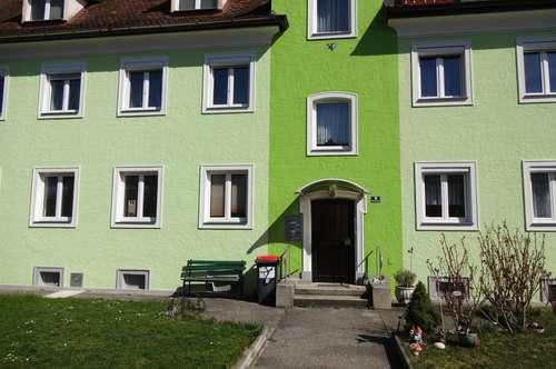 Erdgeschoss + Garten + Garage + Küche möbliert