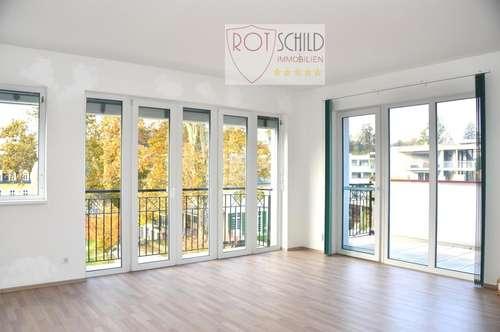 Lichtdurchflutete 2 Zimmer Penthouse Wohnung - barrierefrei, Traumblick, sonnig, zentral!