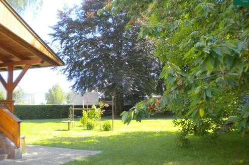 Möblierte Stadtwohnung mit Terrasse und großem Garten