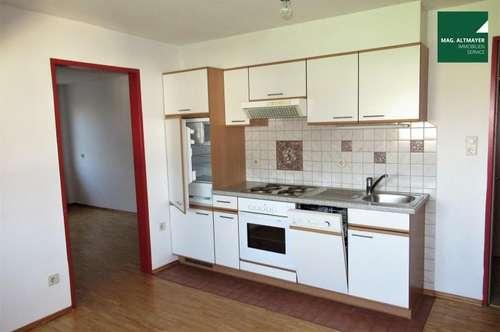 Gemütliche 2-Zimmer-Dachgeschoß-Wohnung in Zentrums-Nähe