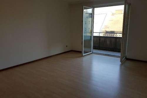 Kaufen statt mieten! Helle 70 m2, 2 Zimmer, Balkon!