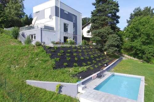 Modernes Passivhaus in herrlicher Ausblickslage mit Pool