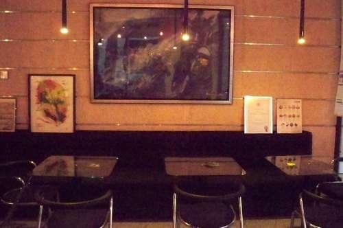 Gutgehendes Cafe/Bar mit Imbiss/Menü in guter Lage und Stammgästen