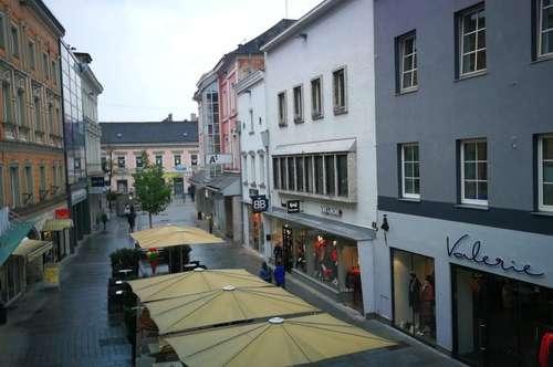 Citywohnung mit Erkerwohnzimmer und Balkon