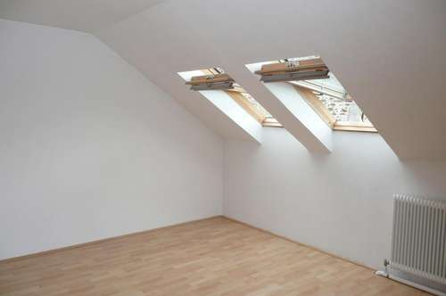Singlewohnung im Dachgeschoß