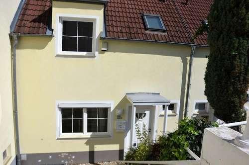 HIER WOHNT DAS FAMILIENGLÜCK. Einziehen und Ruhe erleben. Doppelhaushälfte am Fusse des Ölbergs - Klosterneuburg.