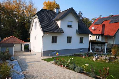Traumhaus mit Indoorpool in Grünlage