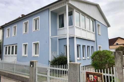 sanierungsbedürftiges Ein- Zweifamilienhaus in grüner Ruhelage
