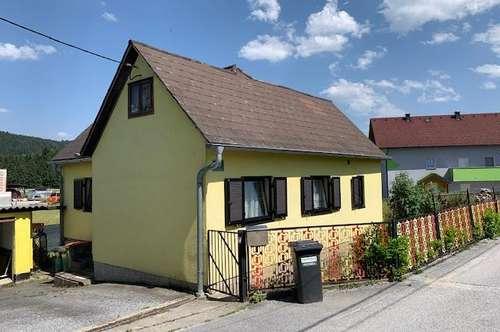 Köflach Pichling: Kleines Häuschen mit 652m² Grund Garage und Nebengebäude