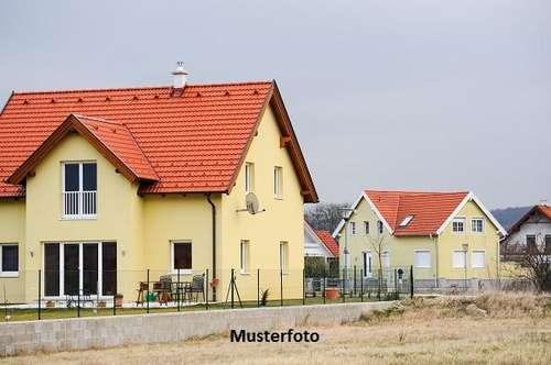 +++ Wohnhaus mit Stallungen +++