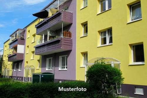 Mehrfamilienhaus in gepflegtem Zustand