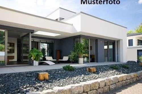 + Wohnhaus mitintegrierter Garage +