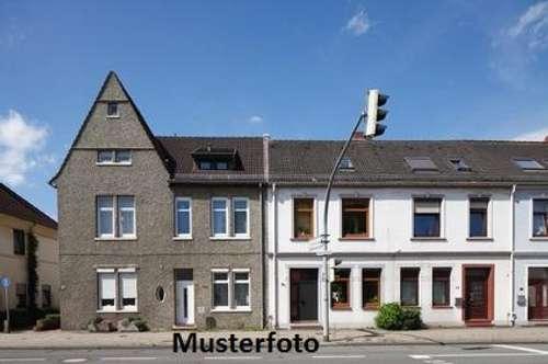 Wohnhausrohbau - Versteigerungsobjekt -