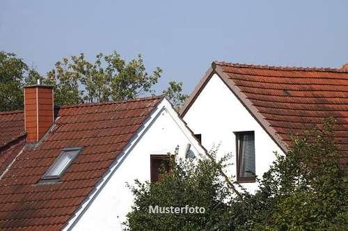 Baurecht - Einfamilienhaus - Versteigerungsobjekt -