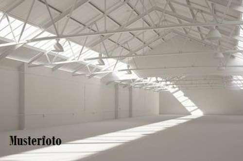 + Produktions- und Lagerhalle mit Bürogebäude +