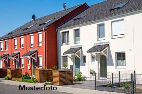 + 2-Familienhaus mit Carport +