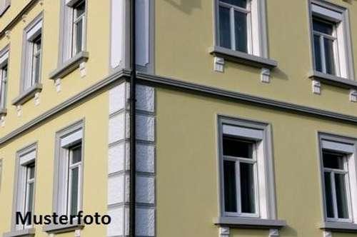 + Einfamilien-Doppelhaushälfte mit Pkw-Stellplatz +