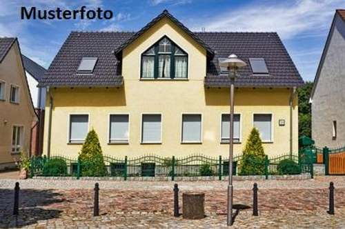 + Wohnhaus (ehem. Presshaus) +