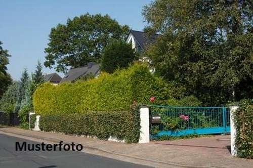 Einfamilienhaus mit Garage - Versteigerungsobjekt -