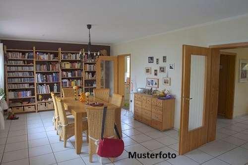 + 5-Zimmer-Wohnung mit Terrasse +