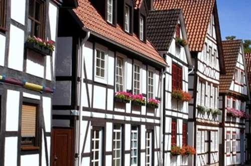 + Wohn- und Gaststättengebäude +