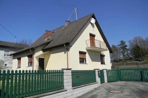 Wohnhaus und Nebengebäude - bezugsfertig - in Markt Allhau