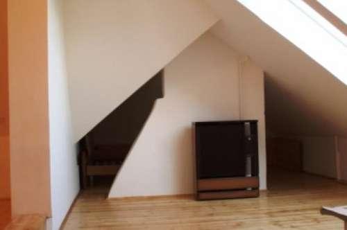 Single Apartment - Nähe HLM-HLW Krems