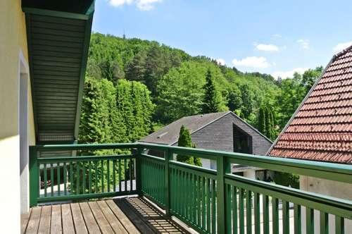 """Schmid Immobilien Management - """"Helle Dachgeschoßwohnung mit 3 Zimmern und Balkon Nähe Pressbaum"""""""