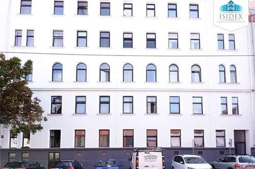 Sonnendurchflutete 2-Zimmer-Wohnung - Renovierungsbedürftig!