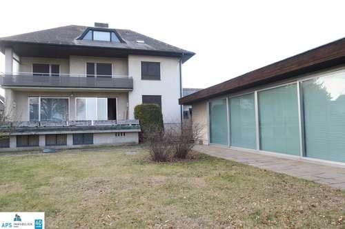 Für Großfamilien - 423 m² Wohnfläche - 164 m² Wohnkeller - 2.700 m² Grund - Indoorpool
