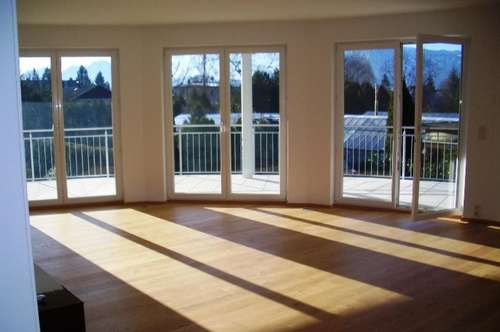 Exquisite, coole 4-Zimmer Designerwohnung mit großer Sonnenterrasse