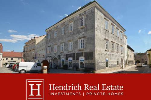 Historisches Stadthaus mit ca. 1.800m² WNFL.