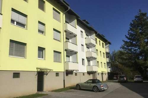 Sonnige Wohnung mit Balkon