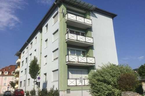 Familiengerechte sanierte Wohnung mit Balkon