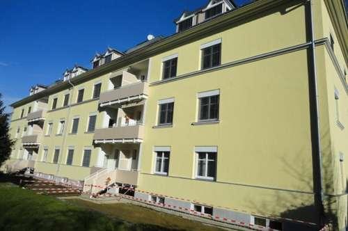 Sonnige Single Wohnung mit Balkon