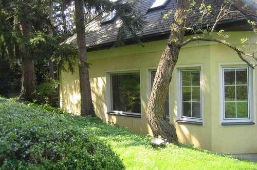zentrales, ruhiges Familienhaus mit schönem Garten, Garage und Autostellplatz, Dominikaner-Privatschule