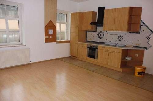 12081 Nette Wohnung in zentraler Lage in Traisen zu vermieten!