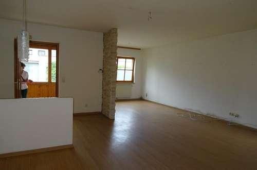 12260 - 3 Zimmerwohnung mit Autoabstellplatz!