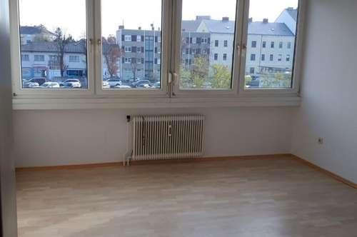 12496 Neues Badezimmer 795,-- INKL WW und HZ!